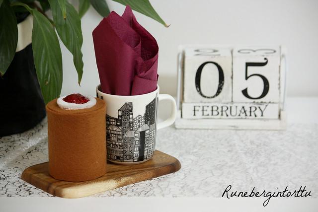 Runebergintorttu paketointi-idea Kaikki Paketissa lahjapaketti
