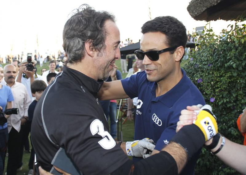 Carlos Prata congratulates José Eduardo Kalil