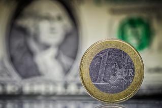 EURO vs. Dollar 24/52
