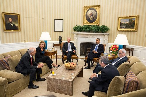 US President Obama + VP Biden meet Palestinian + Israeli negotiators