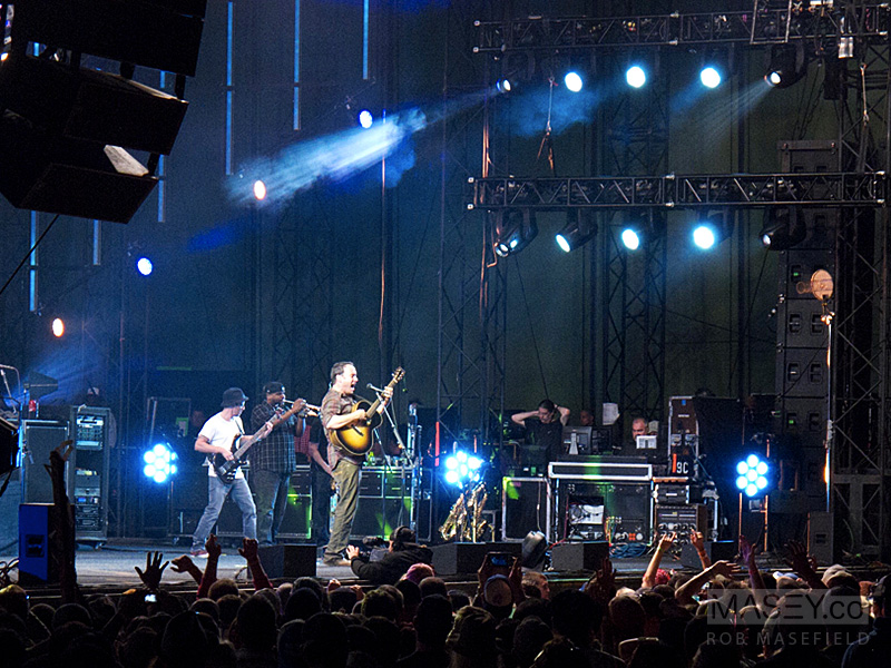 The Dave Matthews Band doing what they do best!