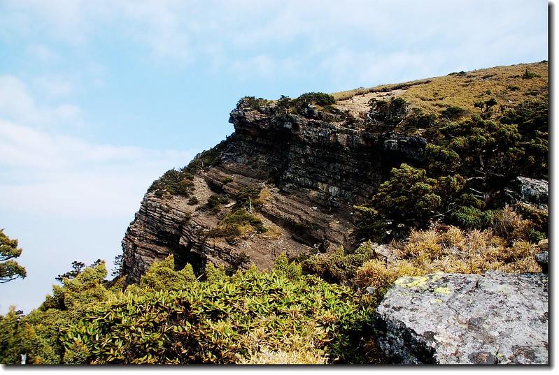 玉山南峰西稜西側斷崖 1