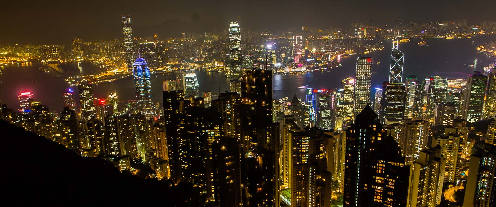 The sky terrace 428 bringing you the scenic view of hong kong for Terrace night