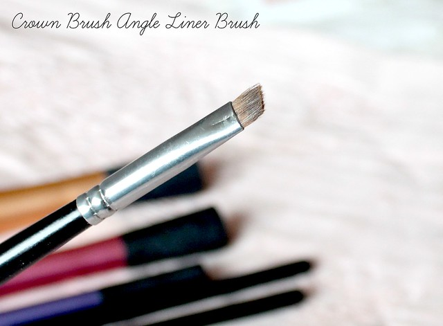 Crown Brush Angle Liner Brush