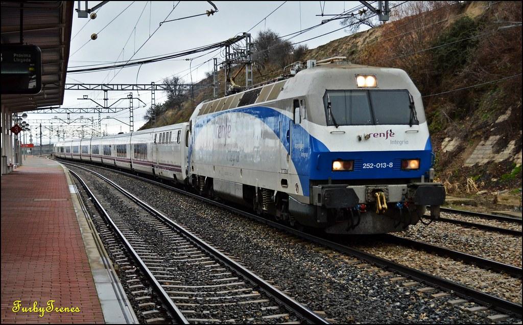 Circulaciones Especiales, Locomotoras de Renfe Integria 12050819093_9261dae36c_b