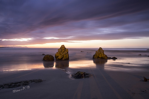 longexposure hermanus sunrise southafrica dawn rocks ngc npc beaches atlanticocean goldenhour onrus westerncape crackofdawn greatphotographers coth5 elitegalleryaoi onrusstrand