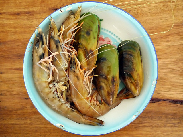 How to make tom hua pa - Lao fish head soup #3