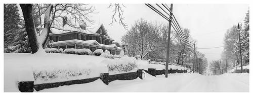 bw panorama snow virginia blackwhite mainstreet bedbreakfast 201 stitchedpanorama christiansburgva mzuiko1250mm {vision}:{outdoor}=0954 {vision}:{snow}=0559