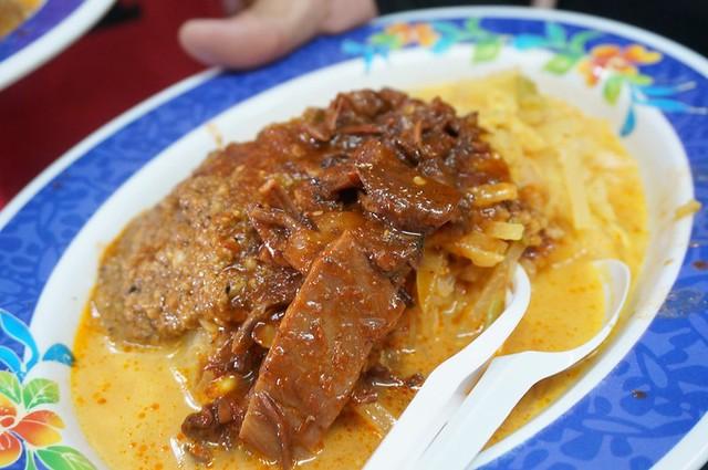 Halal breakfast in Penang Astaka Taman Tun Sardon-018