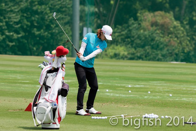 Some ladies golfers - Practice Round - Day 2 (some pics) 12763725684_362222f908_z
