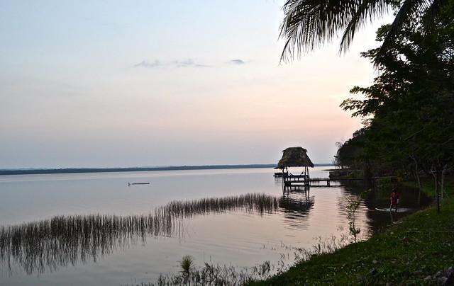 el remate guatemala lake peten itza