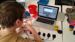 Getting started with MaKey MaKey - a PlayDoh keyboard
