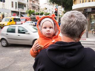 Allenby Street の画像. street baby telaviv streetphotography allenby תלאביב רחוב אלנבי צילוםרחוב