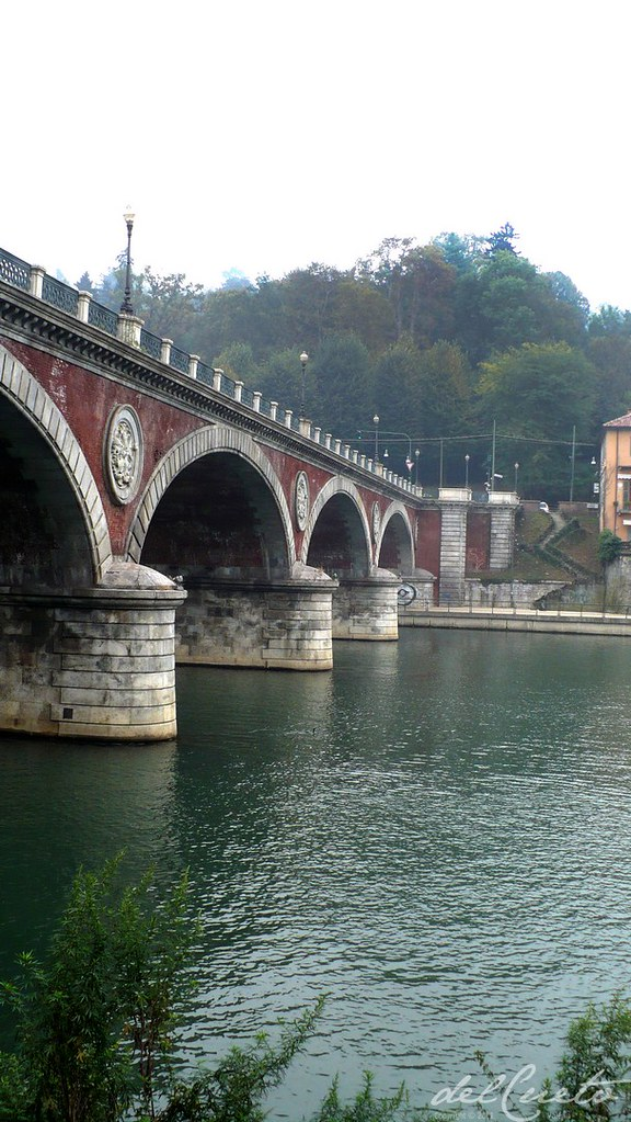 Valentino 131019 010 Rio Pó ponte