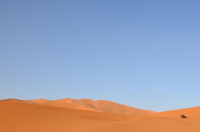 Surcando dunas por el Sahara