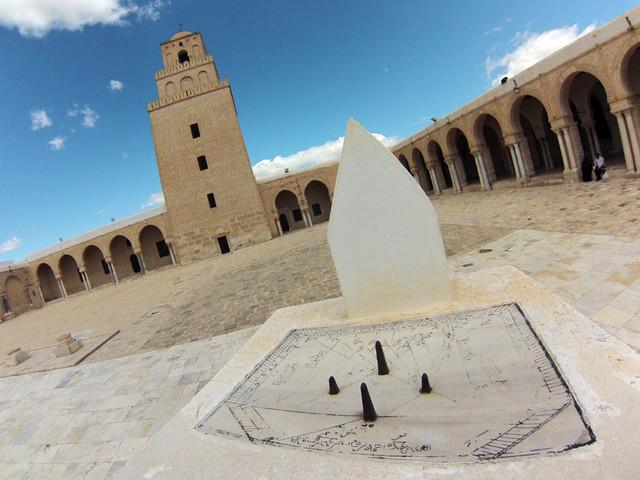 Gran Mezquita de Kairouan desde el altillo de oración del Reloj Solar Kairouan, la cuarta ciudad más santa de la fe musulmana - 14125541412 f3311c4775 z - Kairouan, la cuarta ciudad más santa de la fe musulmana
