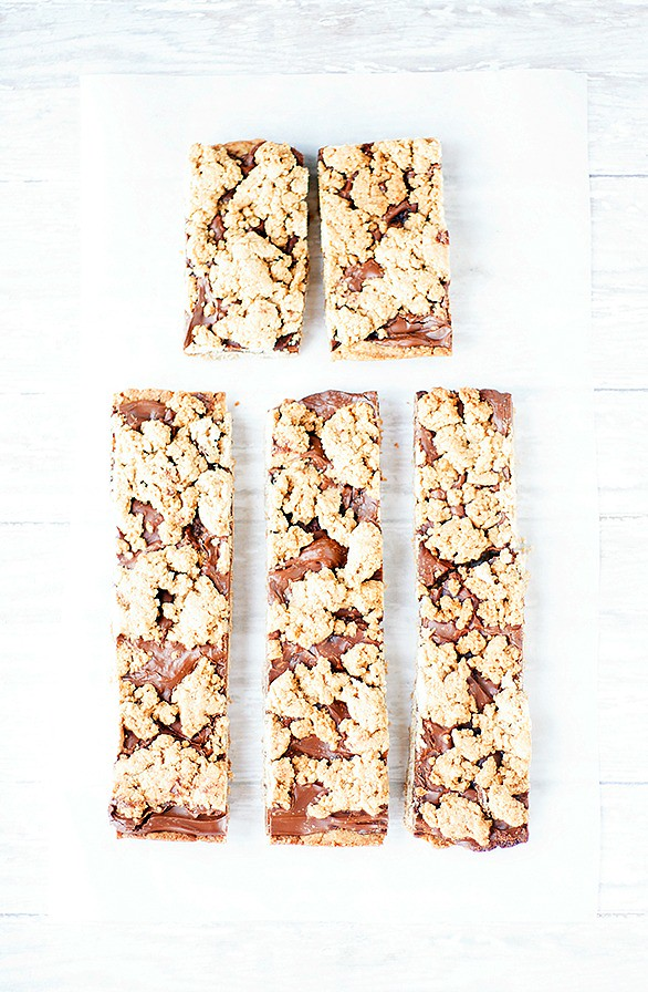 banana bread nutella filled bars