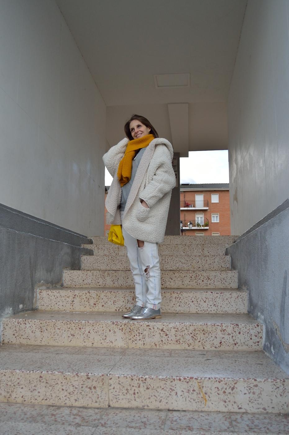 lara-vazquez-mad-lula-style-streetstyle-look-yellow-white-goes-on