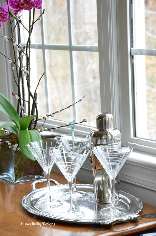 Martini Glasses and Shaker-Housepitality Designs