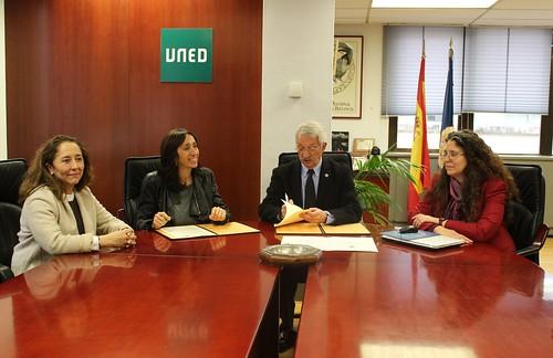 Convenio entre la UNED y la Fundación CNSE (09/05/16)
