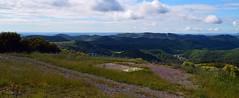 Panorama sur les Cévennes (Draille d'Anduze), depuis le chemin vers Brugaunède, en bas Carnoulès