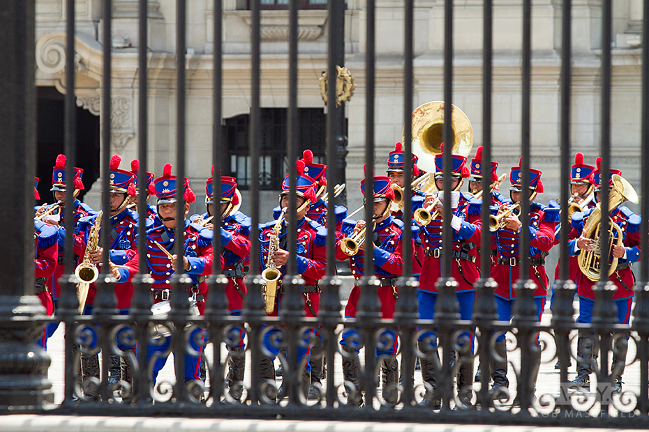 The forecourt of Lima's 'Palacio de Gobierno' comes to life with the changing of the guard.