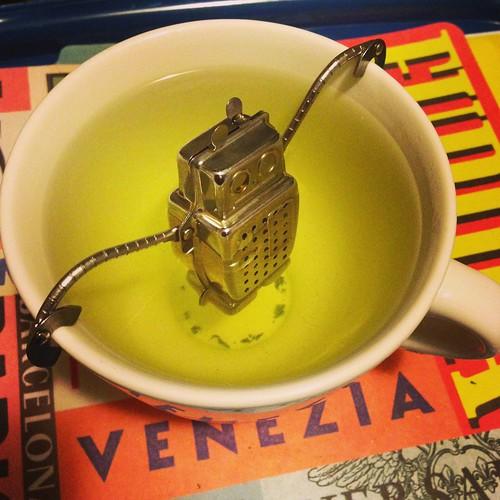 ROBOT-TEA