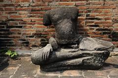 渡 ~Ayutthaya 大城,Stone Buddha @ Wat Phra Mahathat ~