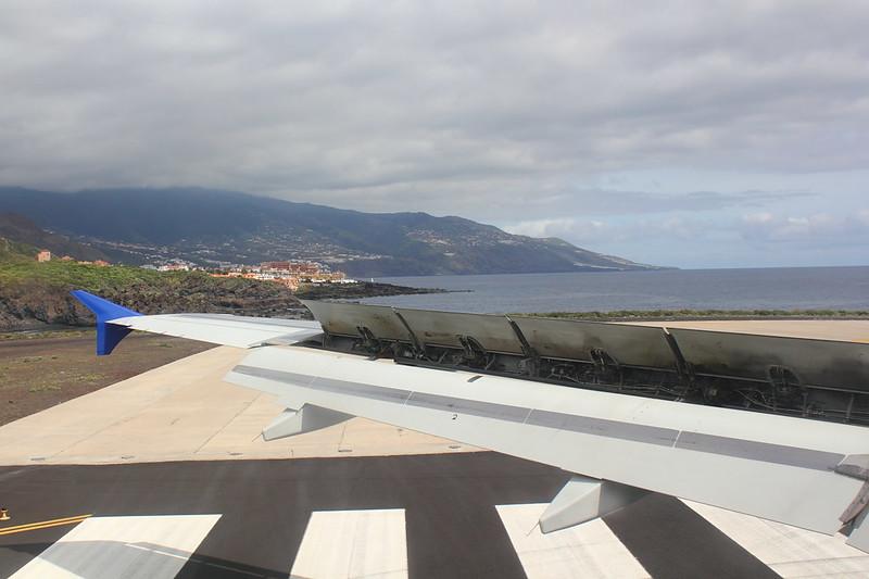 Blick von der Landebahn auf Cancajos