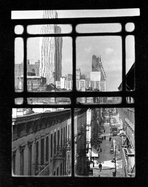 André Kertész, Third avenue, New York, 1937