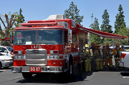 LAFD Evaluates 21 Workers at Northridge Chemical Spill