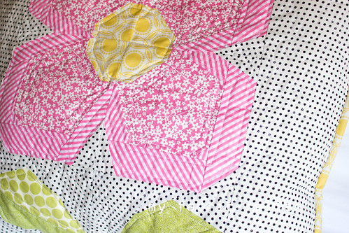 Zakka 2.0 Swedish Flower Quilt