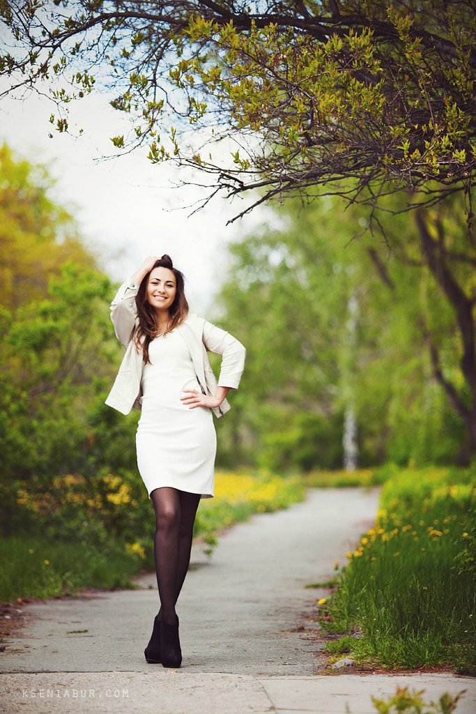 Прогулочная фотосессия девушки