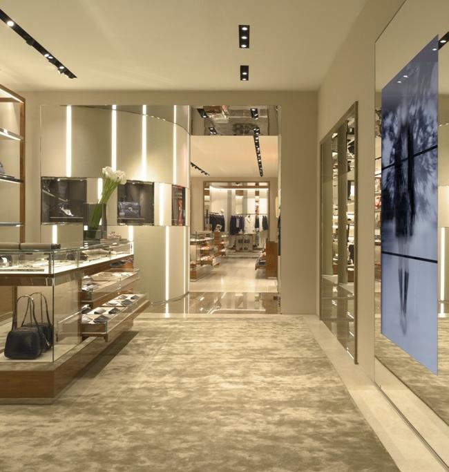 5 Salvatore Ferragamo Boutique Donna Milano