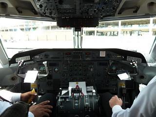 Dash 8 Q200 cockpit