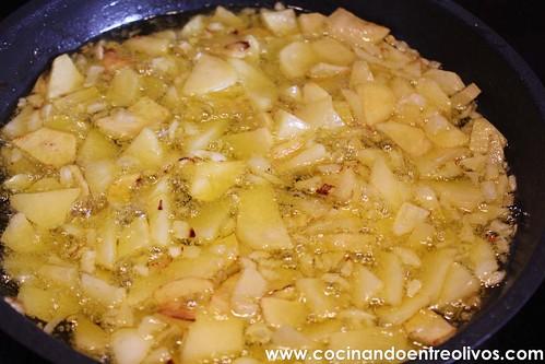 Pimientos verdes rellenos de tortilla de patatas www.cocinandoentreolivos (8)