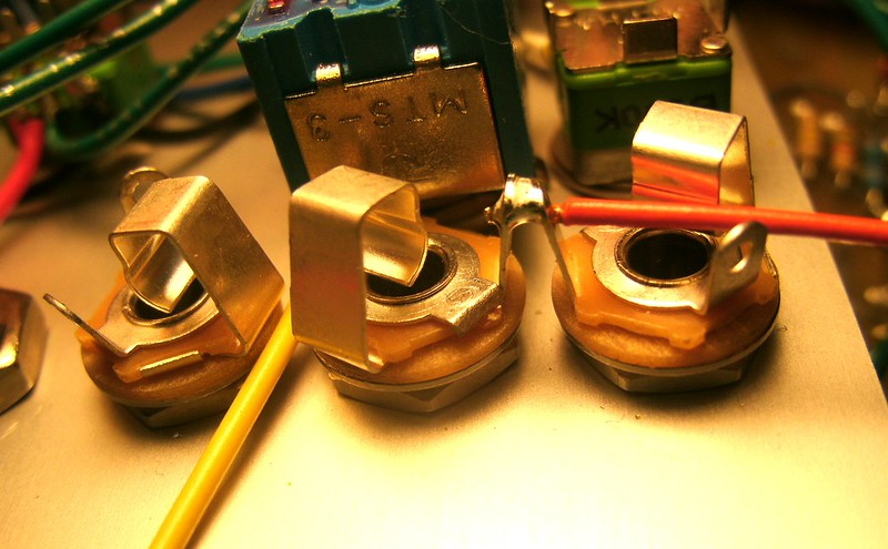 258B Audio Jack Wiring 2