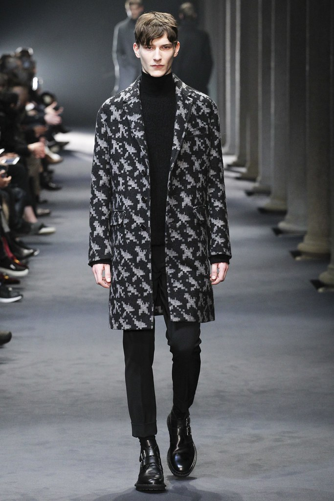 FW15 Milan Neil Barrett022_Dominik Hahn(VOGUE)