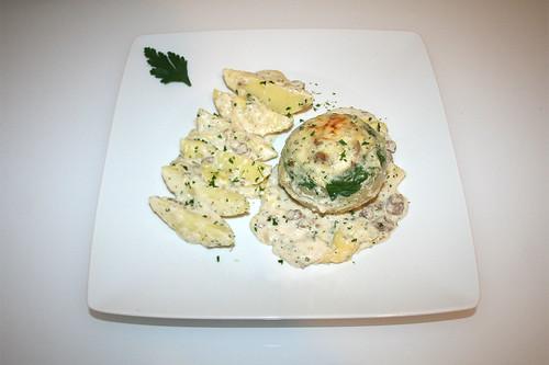 50 - Kohlrabi stuffed with ground meat - Serviert / Kohlrabi mit Hackfleischfüllung - Serviert