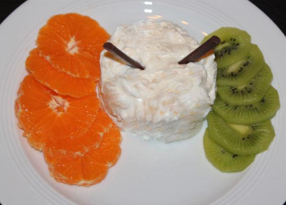 Meringe Perdú mit mazerierten Orangen