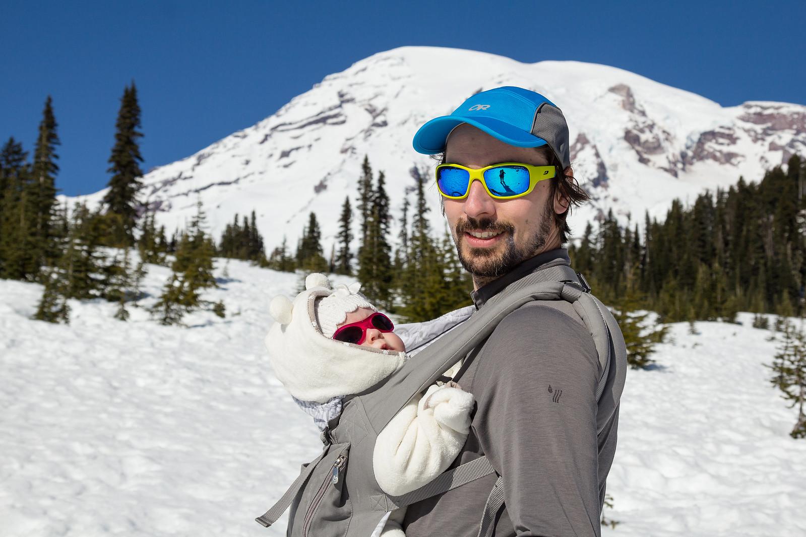 There are polar bears on Mount Rainier?