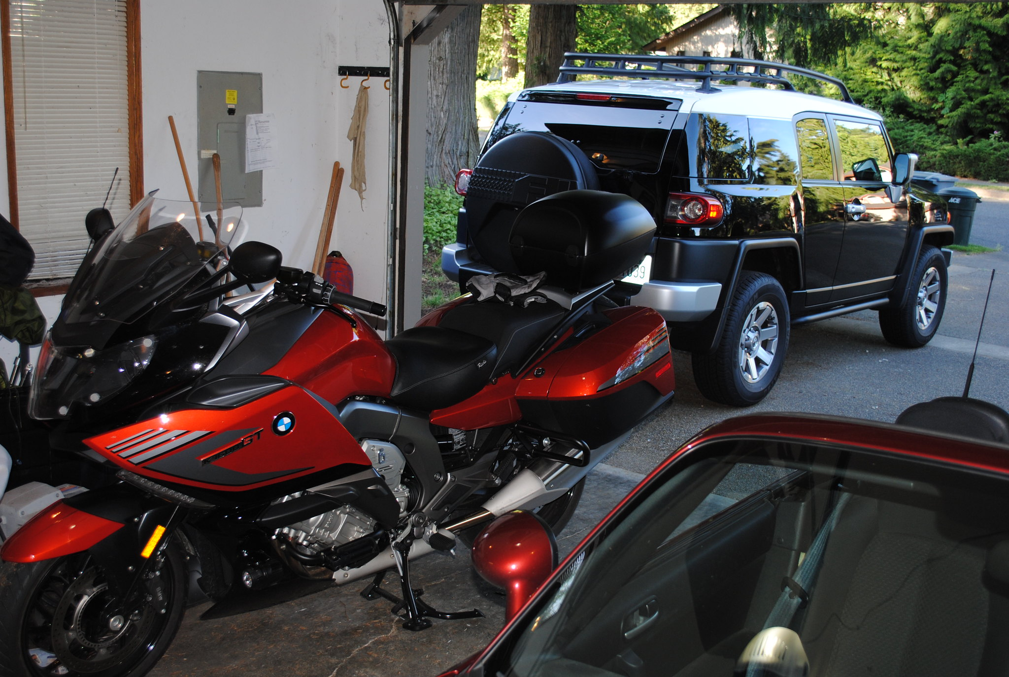 small top case is on bmw k1600 forum bmw k1600 gt and. Black Bedroom Furniture Sets. Home Design Ideas
