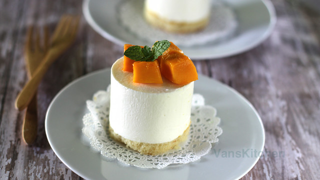 No-bake orange cheesecake with mango (Cheesecake mousse)