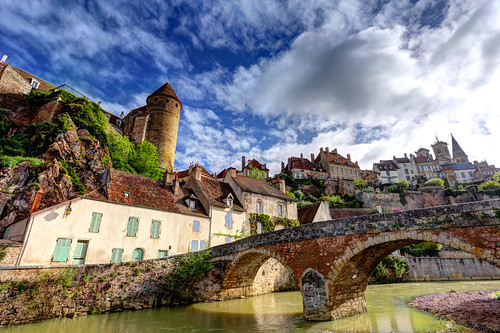 bridge france castle village burgundy bourgogne oldbridge semurenauxois pontpinard