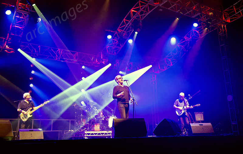 14. The Oysterband