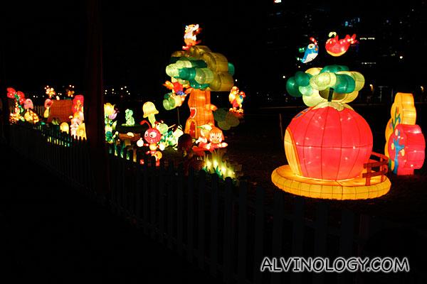 Birds and ants lanterns