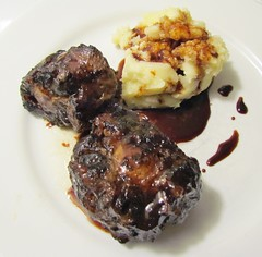 BRAISED OXTAIL WITH ROMANO MASHED POTATO