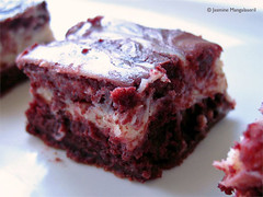 140208 Red Velvet Cream Cheese Swirl Brownies2