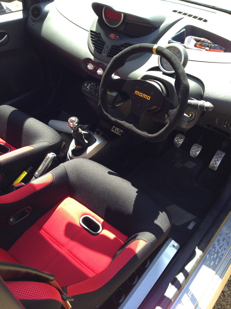 twingo133 net the twingo owners club forum \u2022 view topic momo modand the other little touch i mentioned was a pair of these ordered through amazon because the seats are a touch lower than standard the seatbelt was
