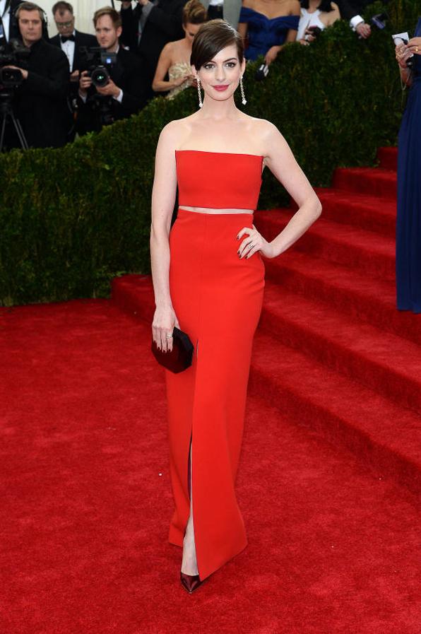 2014 Met Ball Best Dressed Anne Hathaway in Calvin Klein Collection